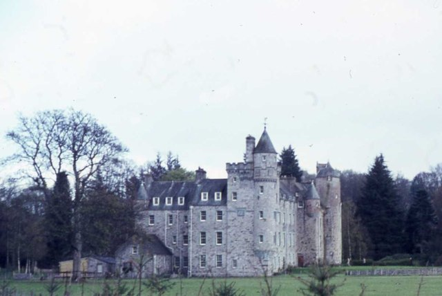 Grandtully Castle Grandtully Castle (geograph 3890325).jpg