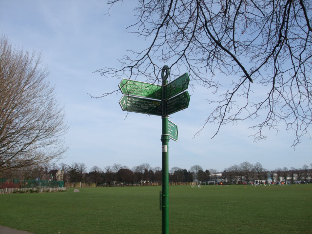 Green Chain walk signs - geograph.org.uk - 1211245