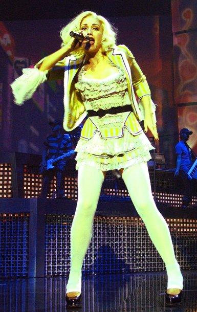 Gwen Stefani Wiki >> Harajuku Lovers Tour - Wikipedia, la enciclopedia libre