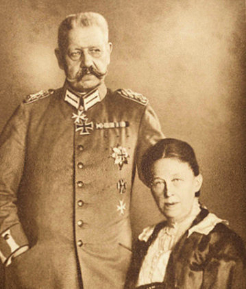 Paul and Gertrud von Hindenburg H & wife.jpg