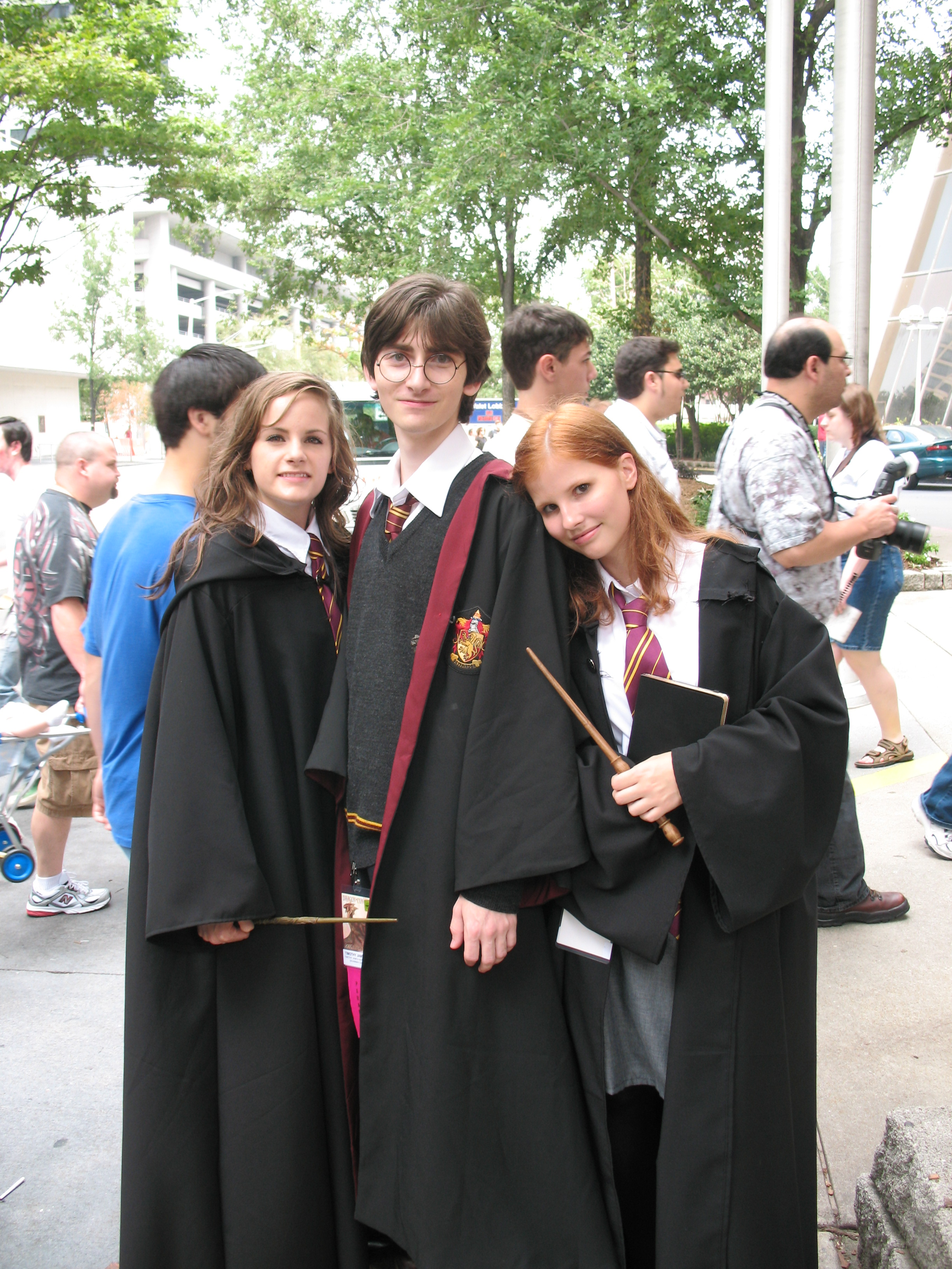"""Diese Fans haben sich als ihre Helden aus """"Harry Potter"""" verkleidet."""