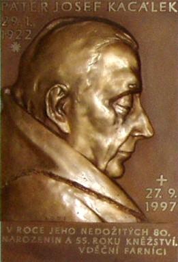 File:Josef Kacálek pomník.jpg
