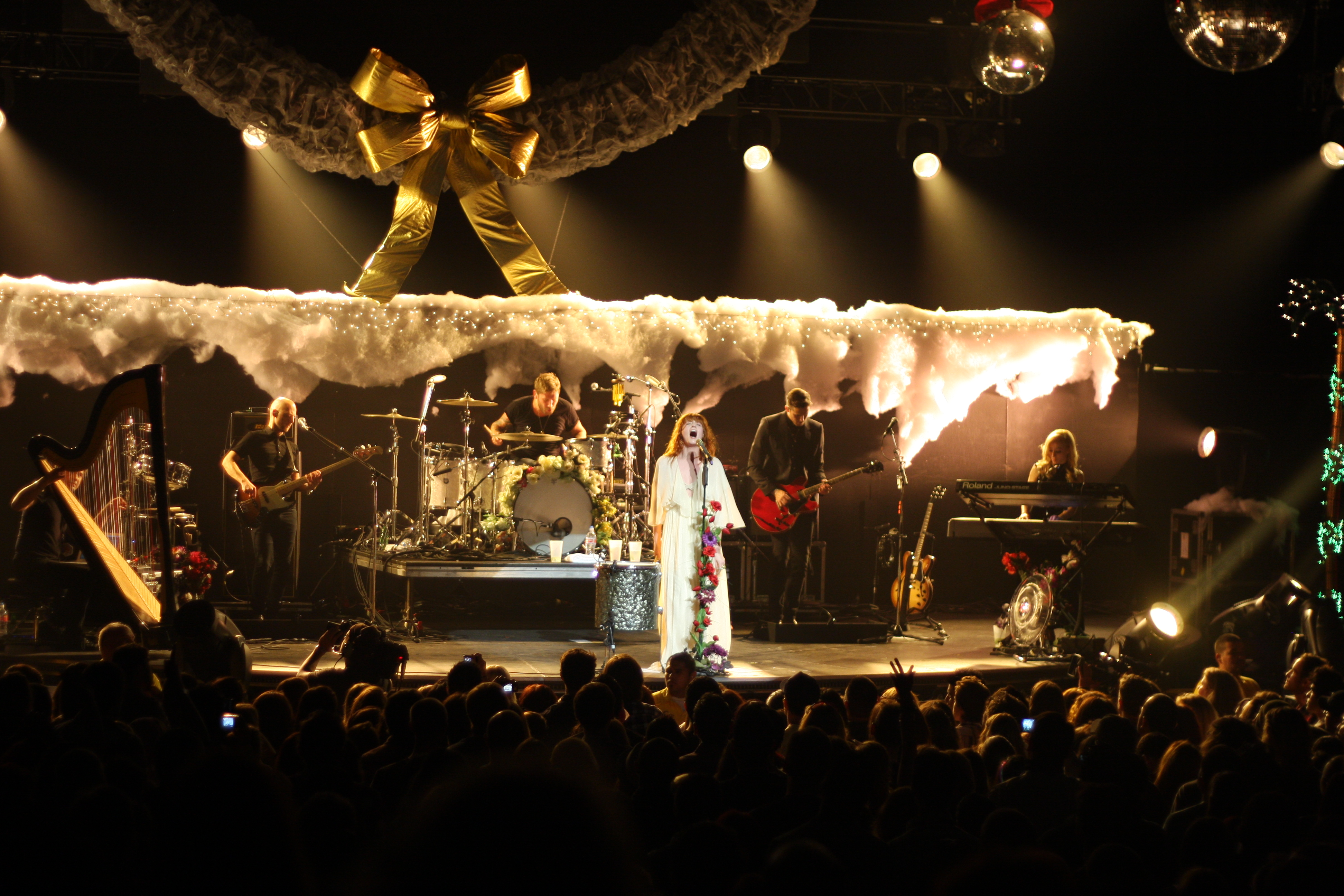 Kroq Almost Acoustic Christmas.File Kroq Almost Acoustic Xmas Florence And The Machine 12
