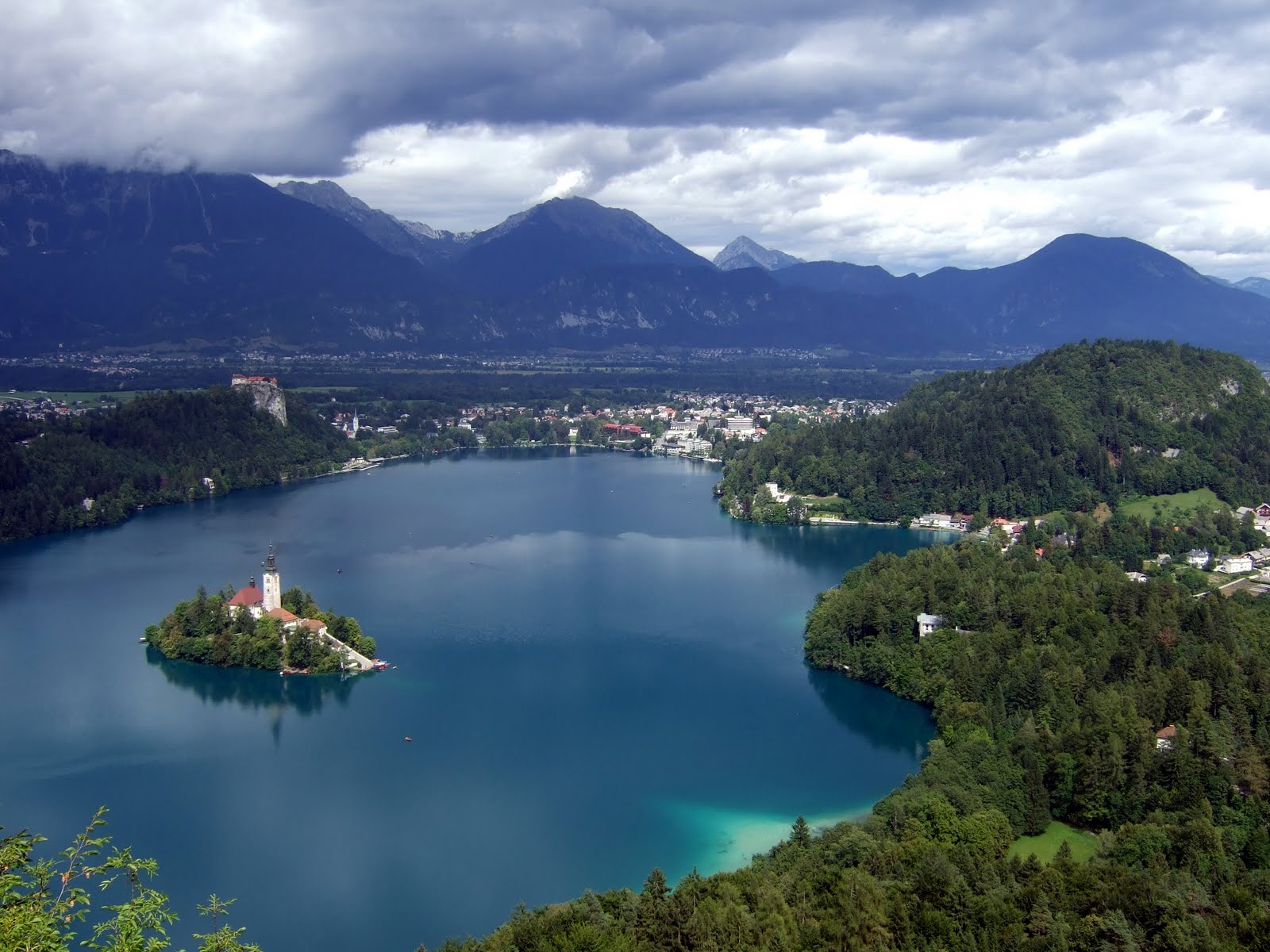 Http Commons Wikimedia Org Wiki File Lake Bled View Jpg