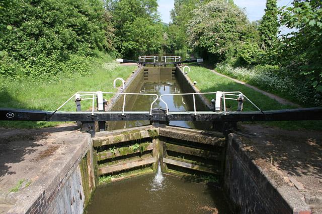 File:Lock 35, Grand Union Canal - geograph.org.uk - 179356.jpg