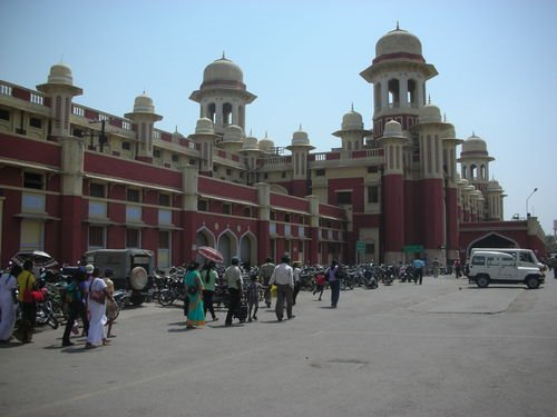 File:Lucknow station.jpg