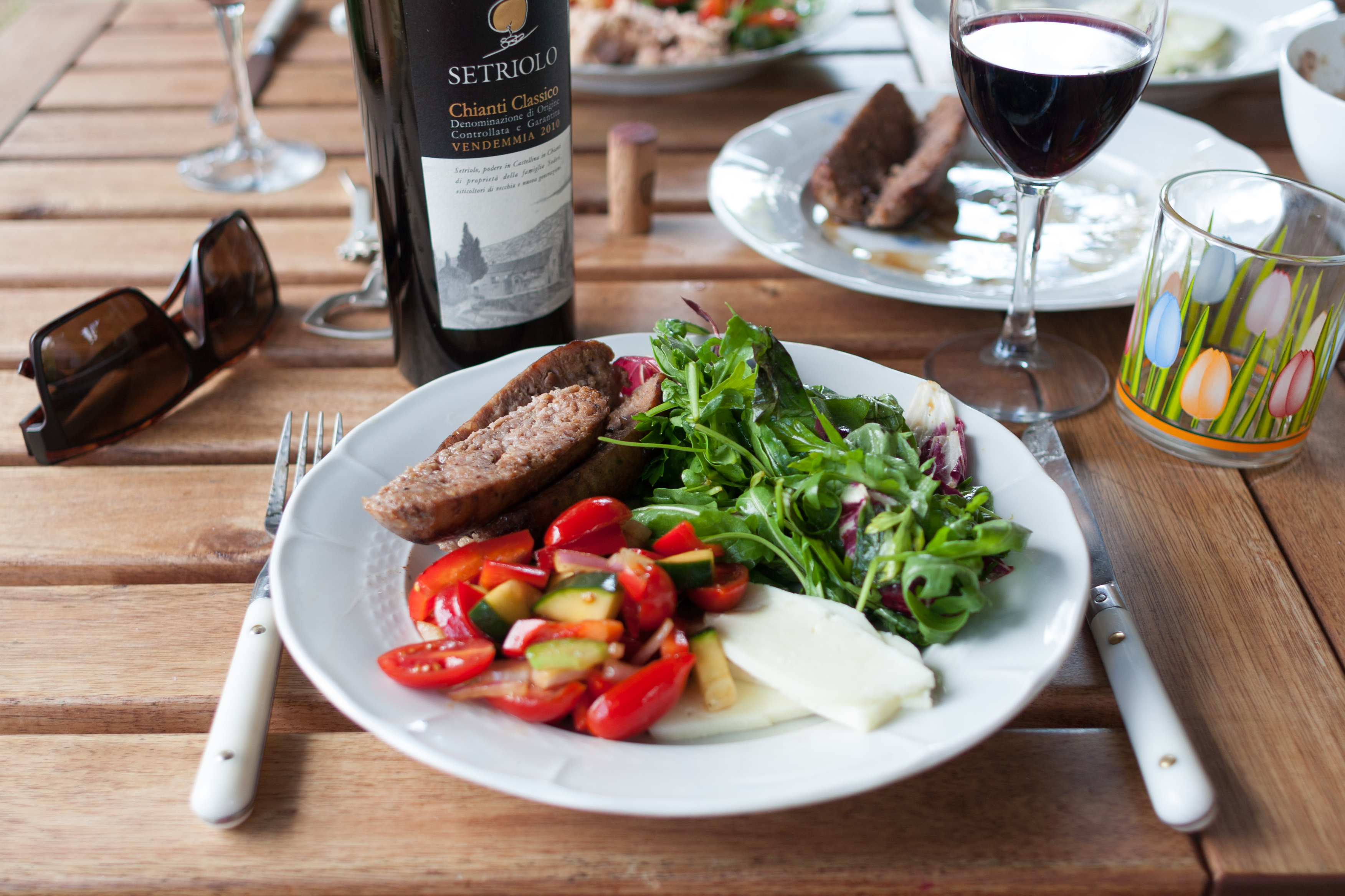 File lunch and wikimedia commons for Cuisine wine