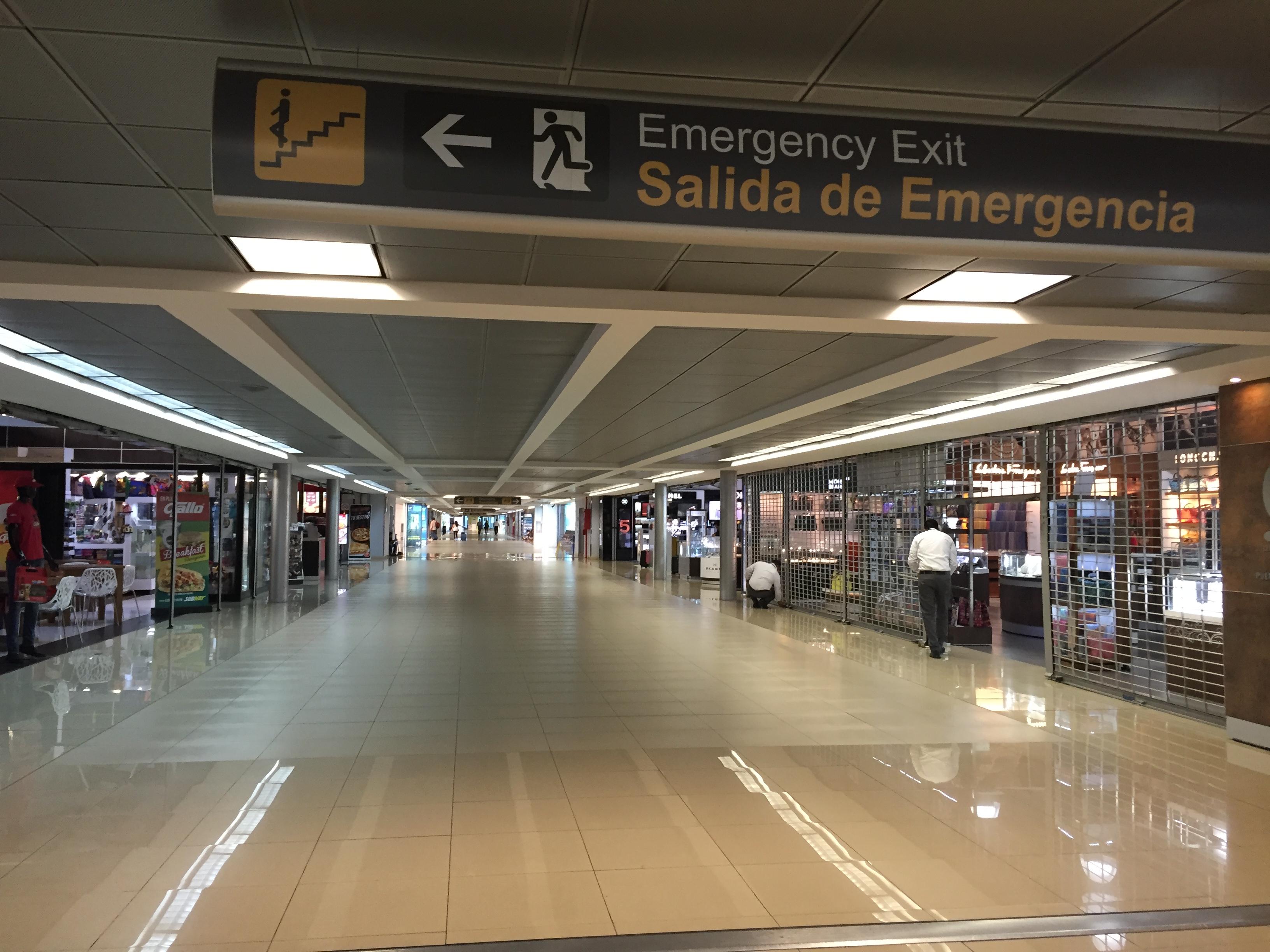Aeropuerto Internacional La Aurora - Wikipedia, la enciclopedia libre