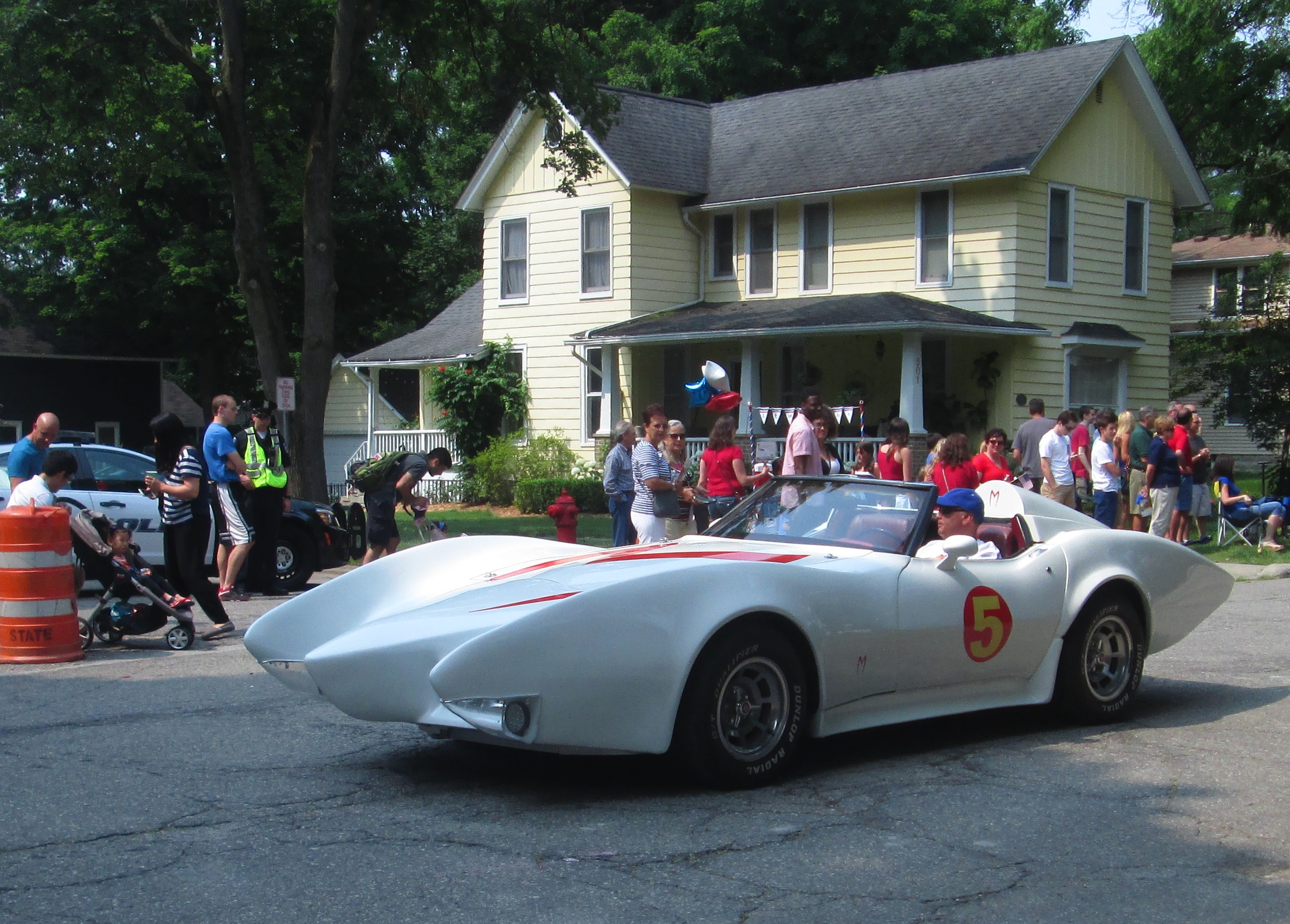 Unique File:Mach 5 Speed Racer.jpg - Wikimedia Commons ER44