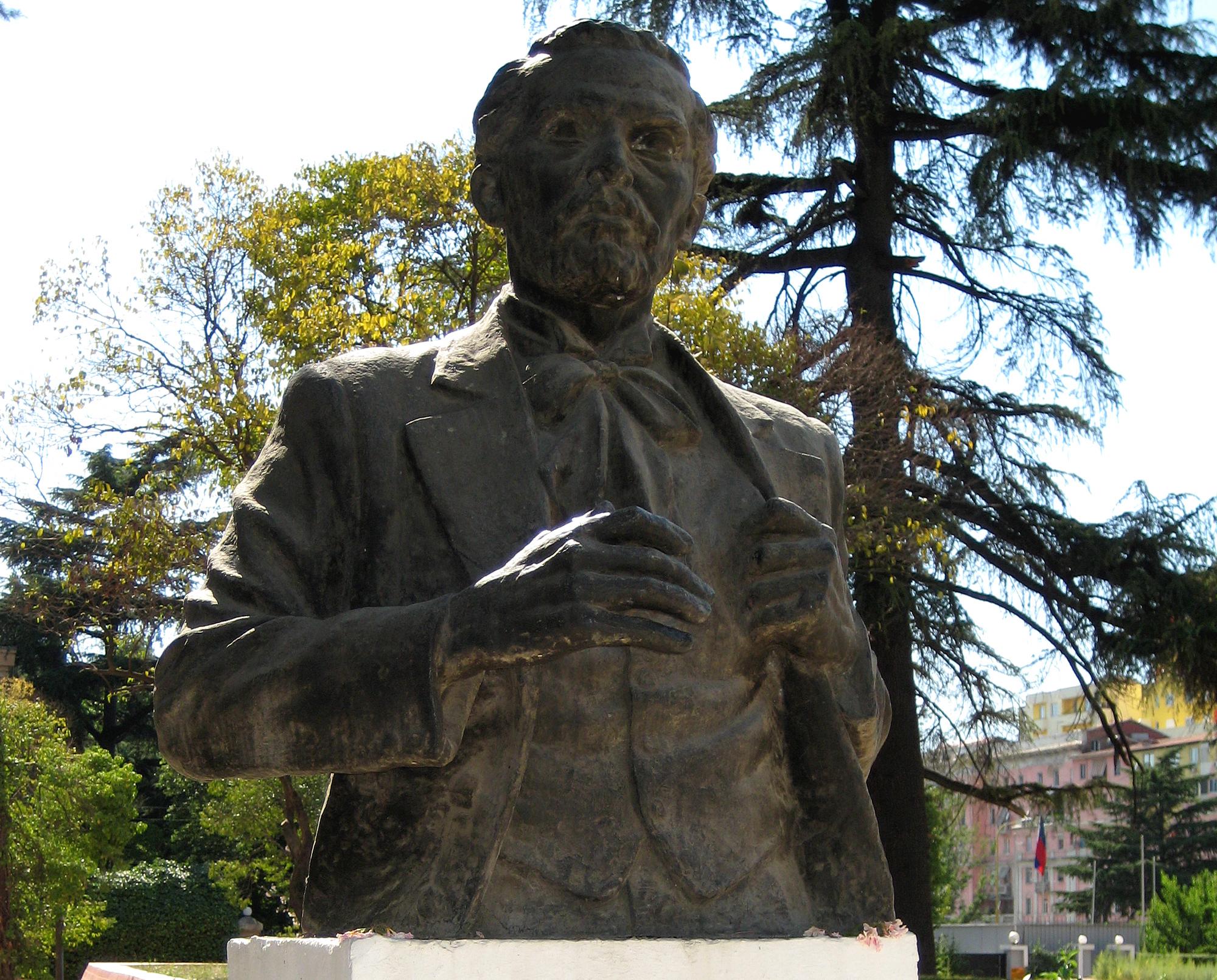 Biografia Per Naim Frasheri Memorial to Naim Frashëri in