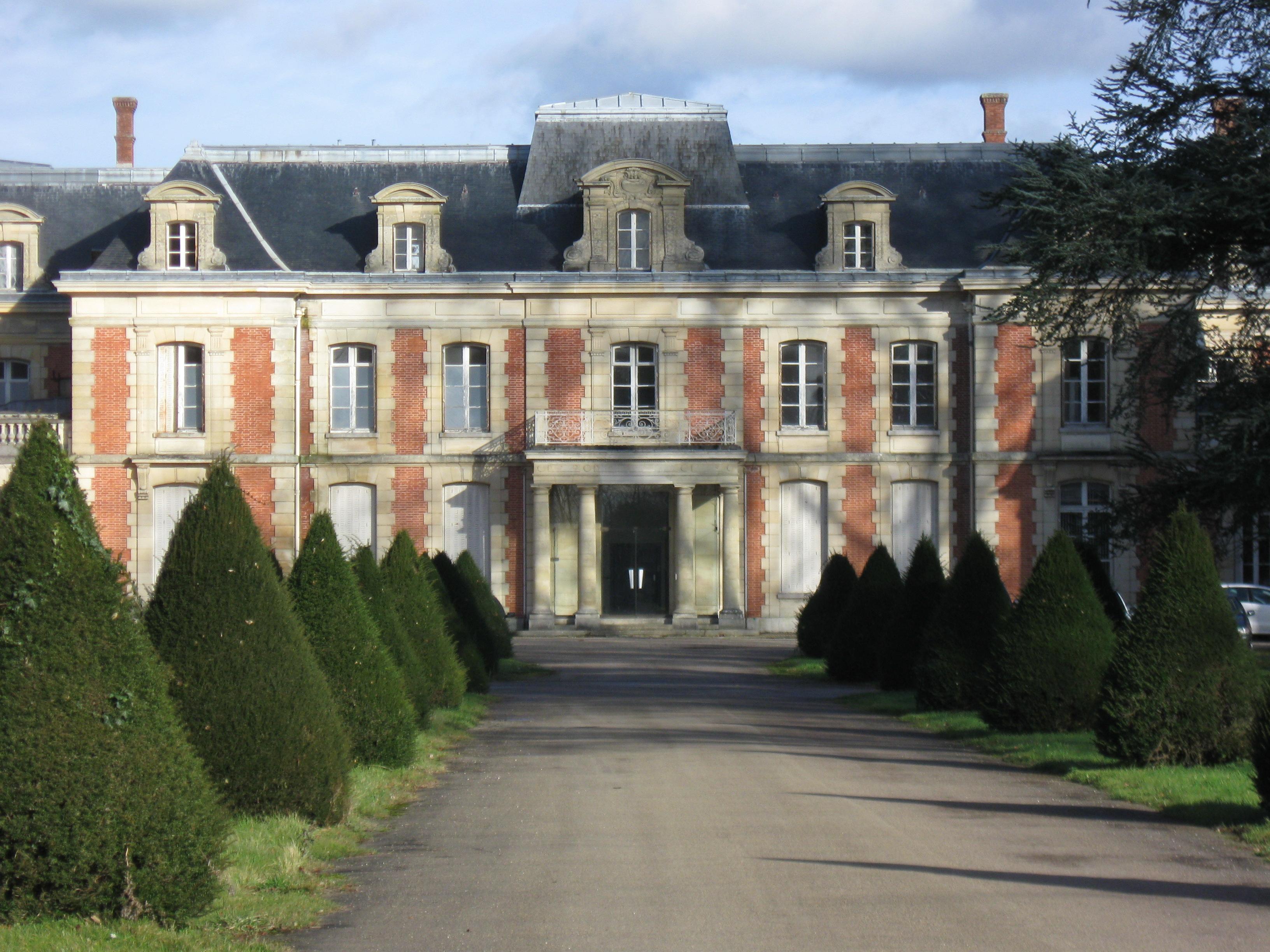 château Neufmoutiers en Brie GR14 section 1