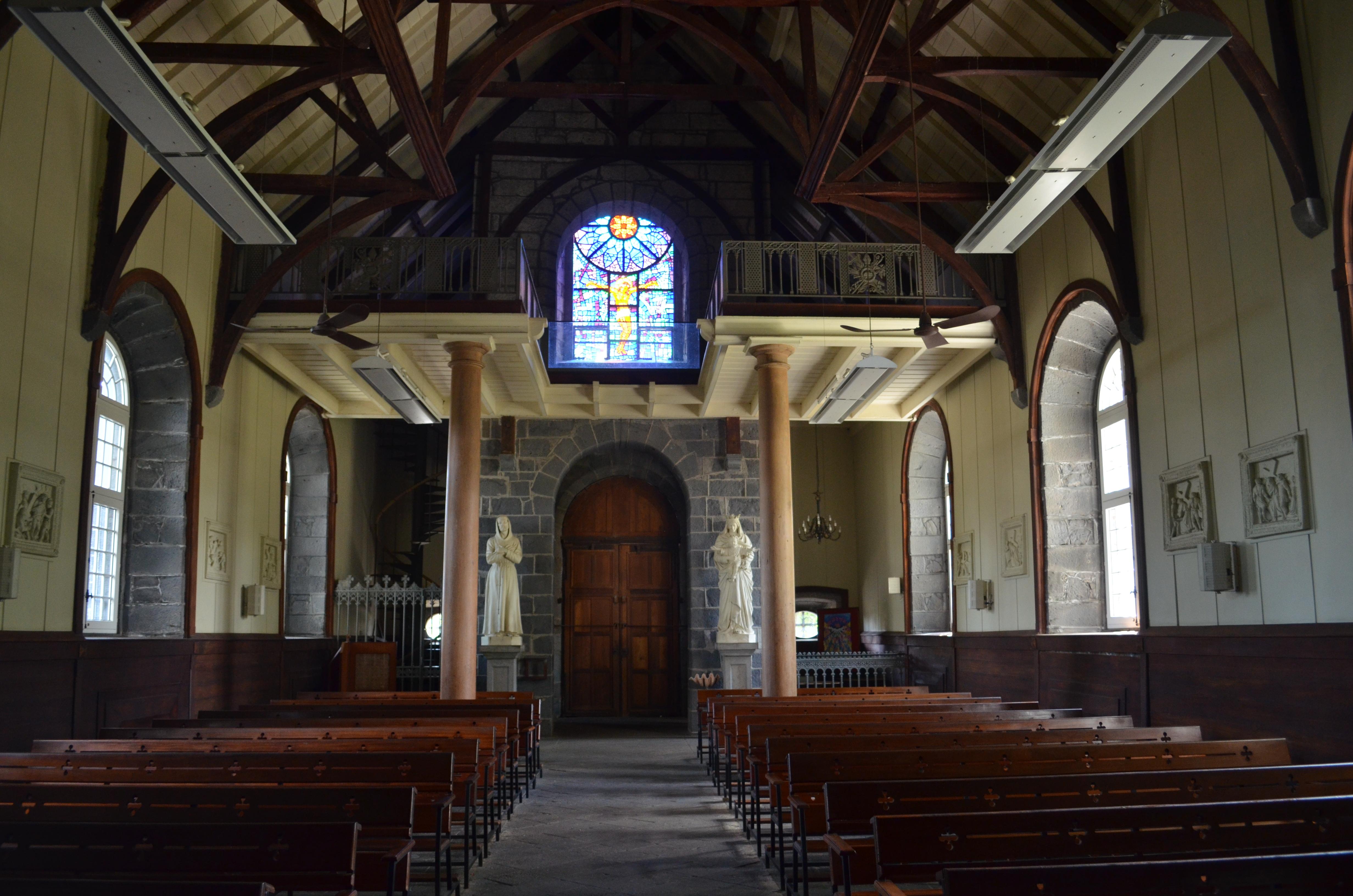 File pamplemousses eglise saint fran ois d assise for Interieur eglise