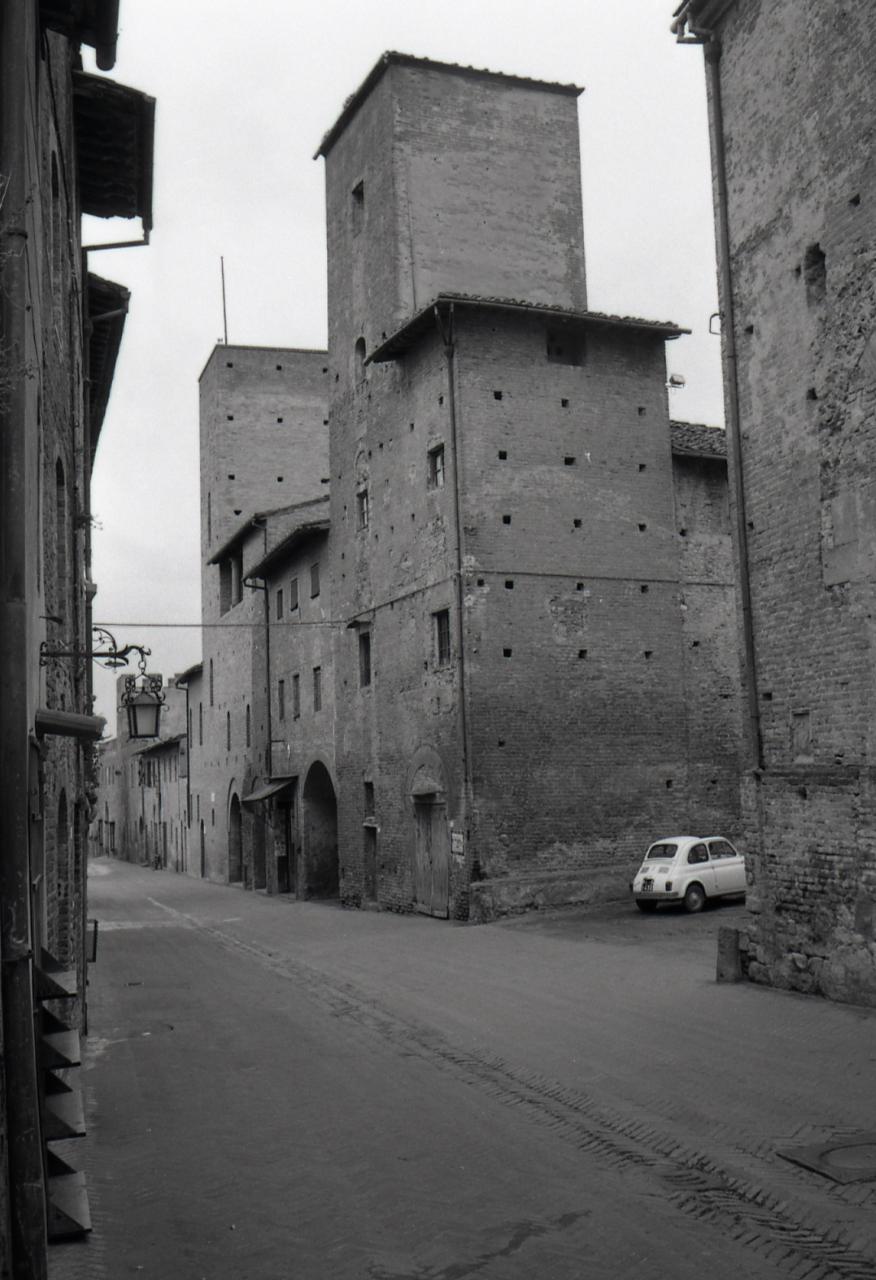 Paolo Monti - Servizio fotografico (Certaldo, 1965) - BEIC 6348900.jpg
