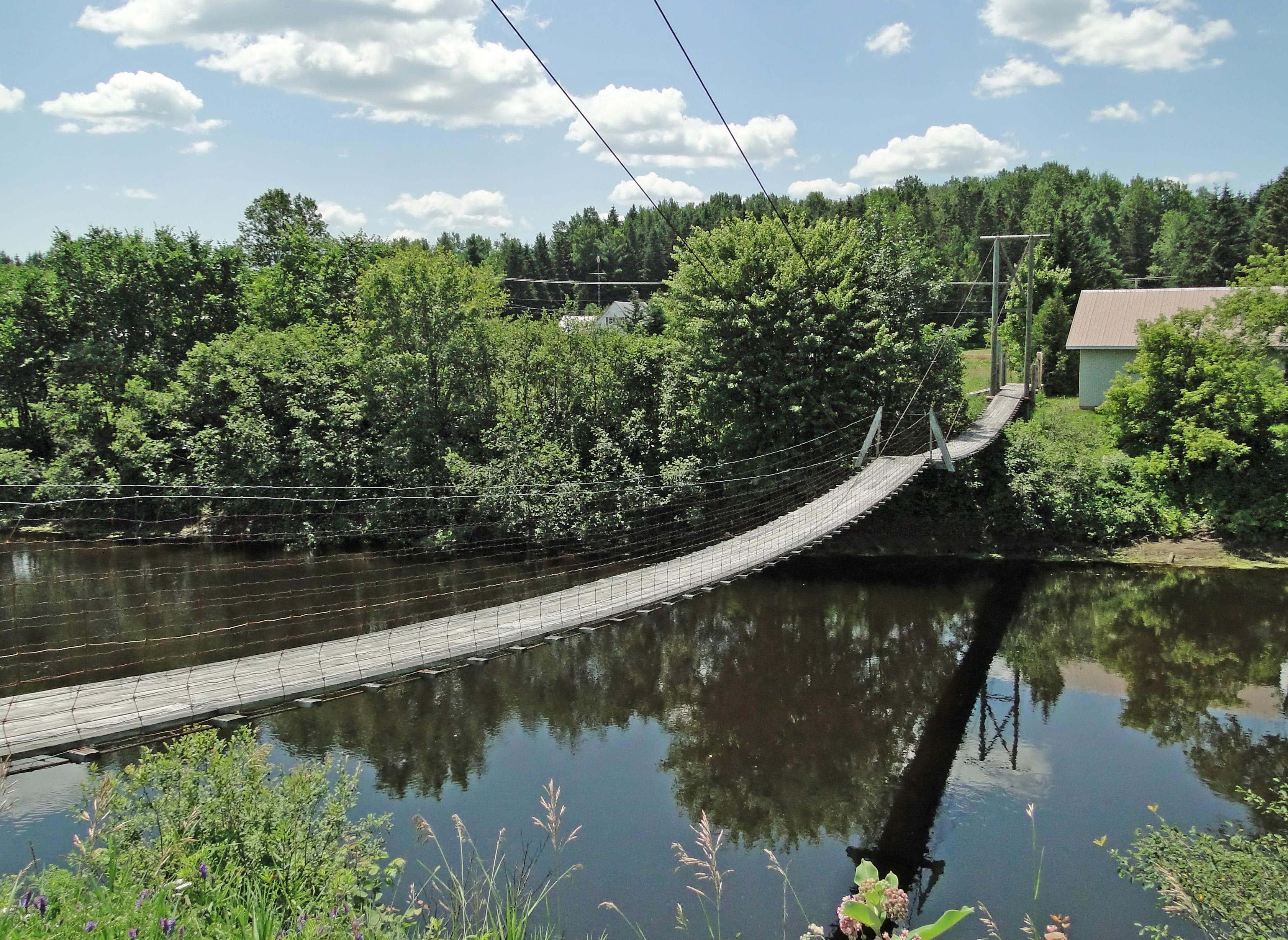 comment installer les broches de pont en métal