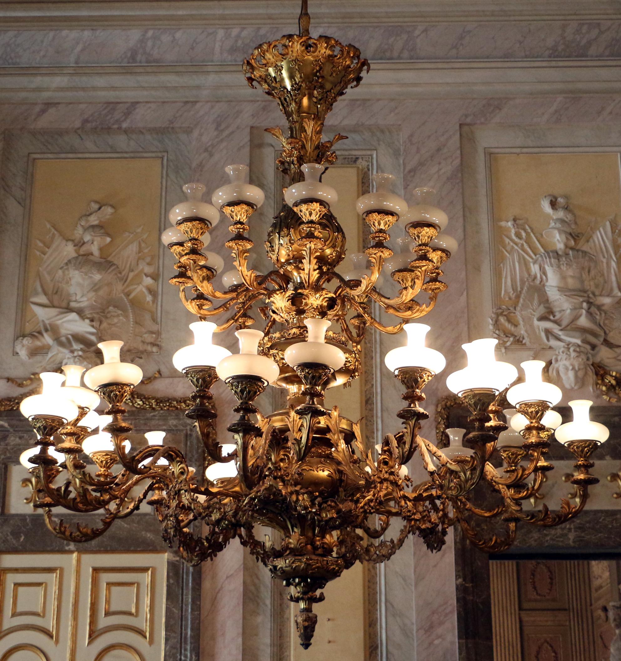 File reggia di caserta sala degli alabardieri lampadario - Lampadario sala ...