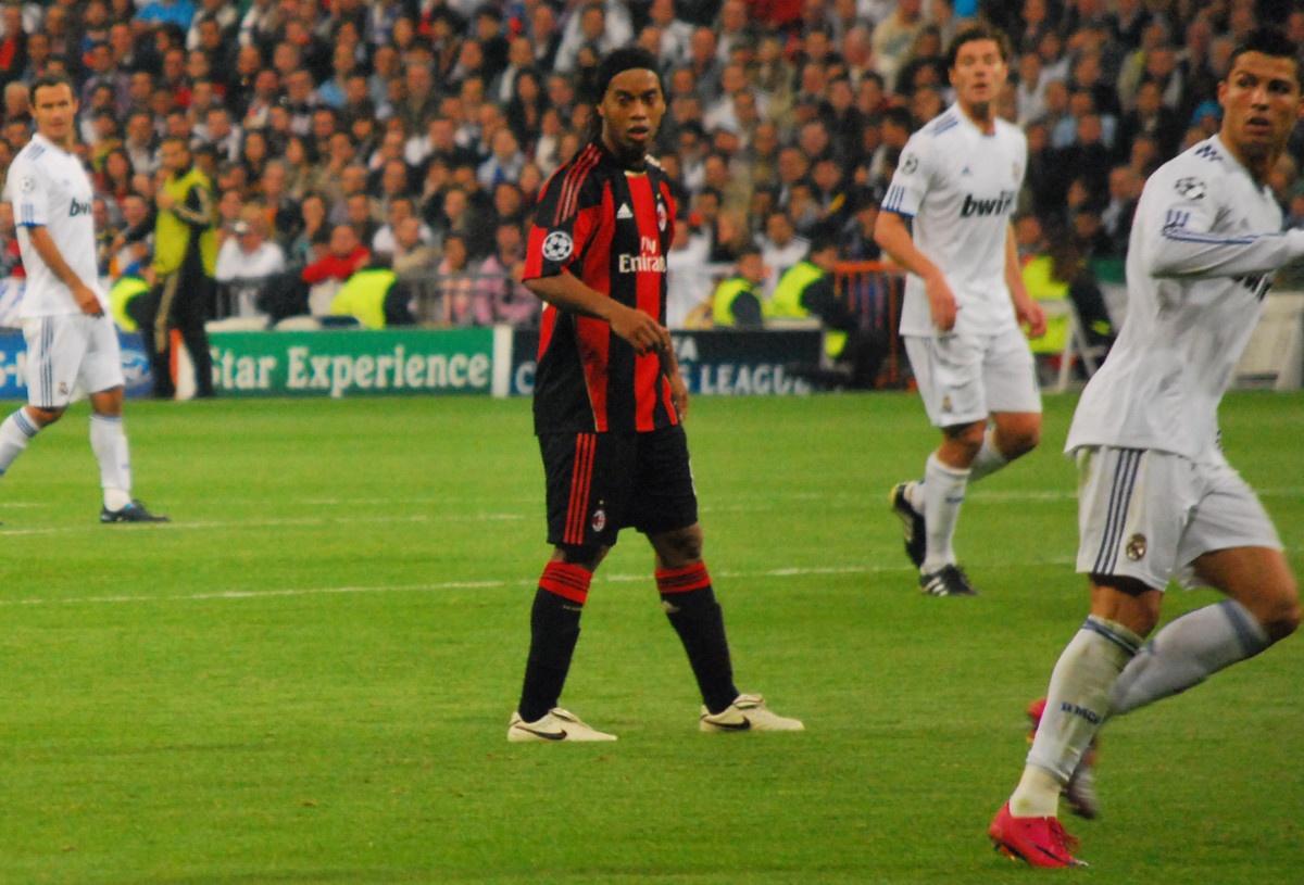 Ronaldinho dating historie OSL dating teknikk