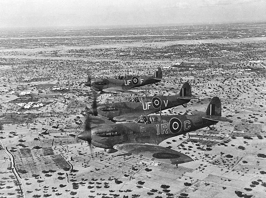 La Luftwaffe en el desierto 1941-1943 SpitfireVb_601Sqn_Djerba1943