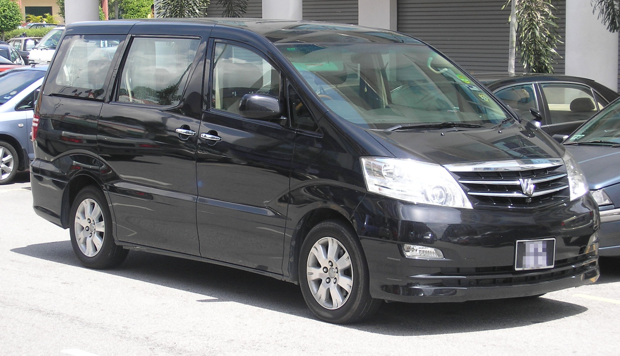 File:Toyota Alphard (first generation) (front, black), Serdang.jpg - Wikimedia Commons