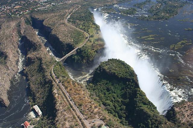 File:Victoria Falls Bridge, Africa 092.jpg - Wikimedia Commons