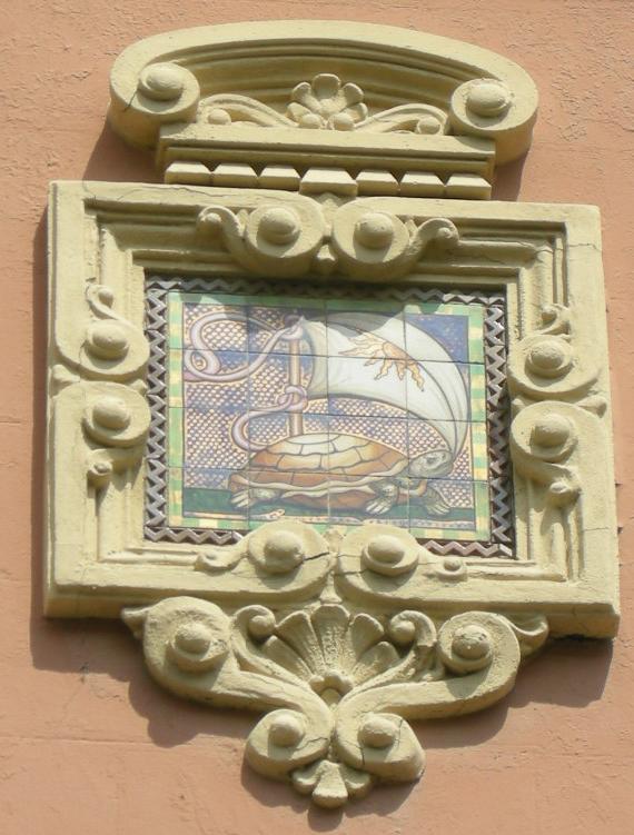 File villino brunetti decorazione ceramica 03 jpg wikipedia for Decorazione ceramica