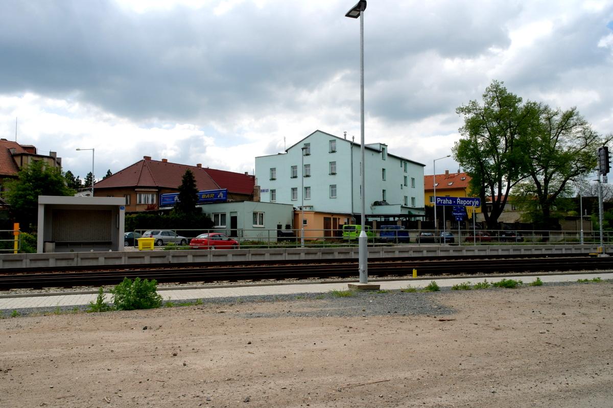 Praha-Řeporyje (nádraží) – Wikipedie