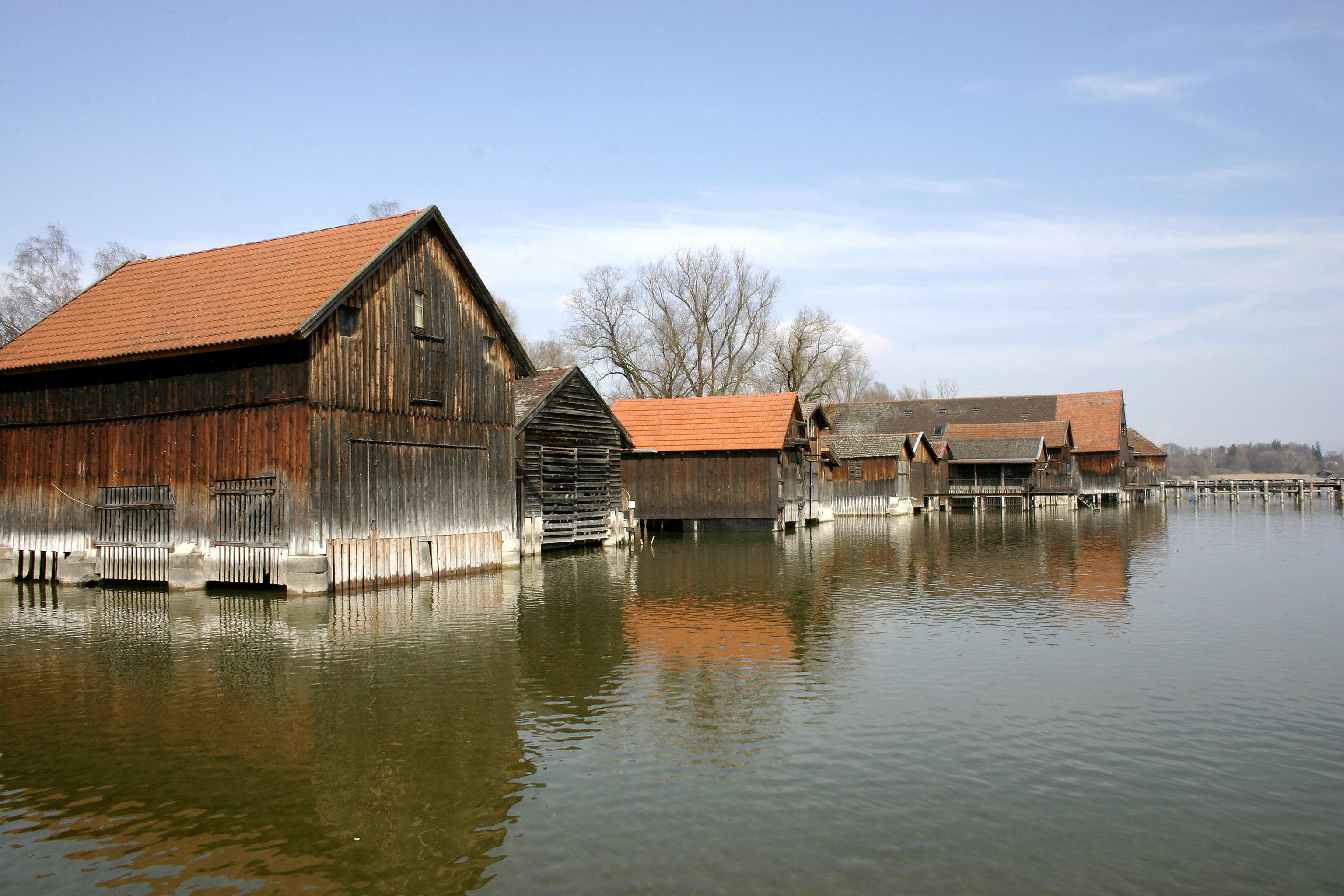 File Ammersee Boat Houses 01 Jpg Wikimedia Commons