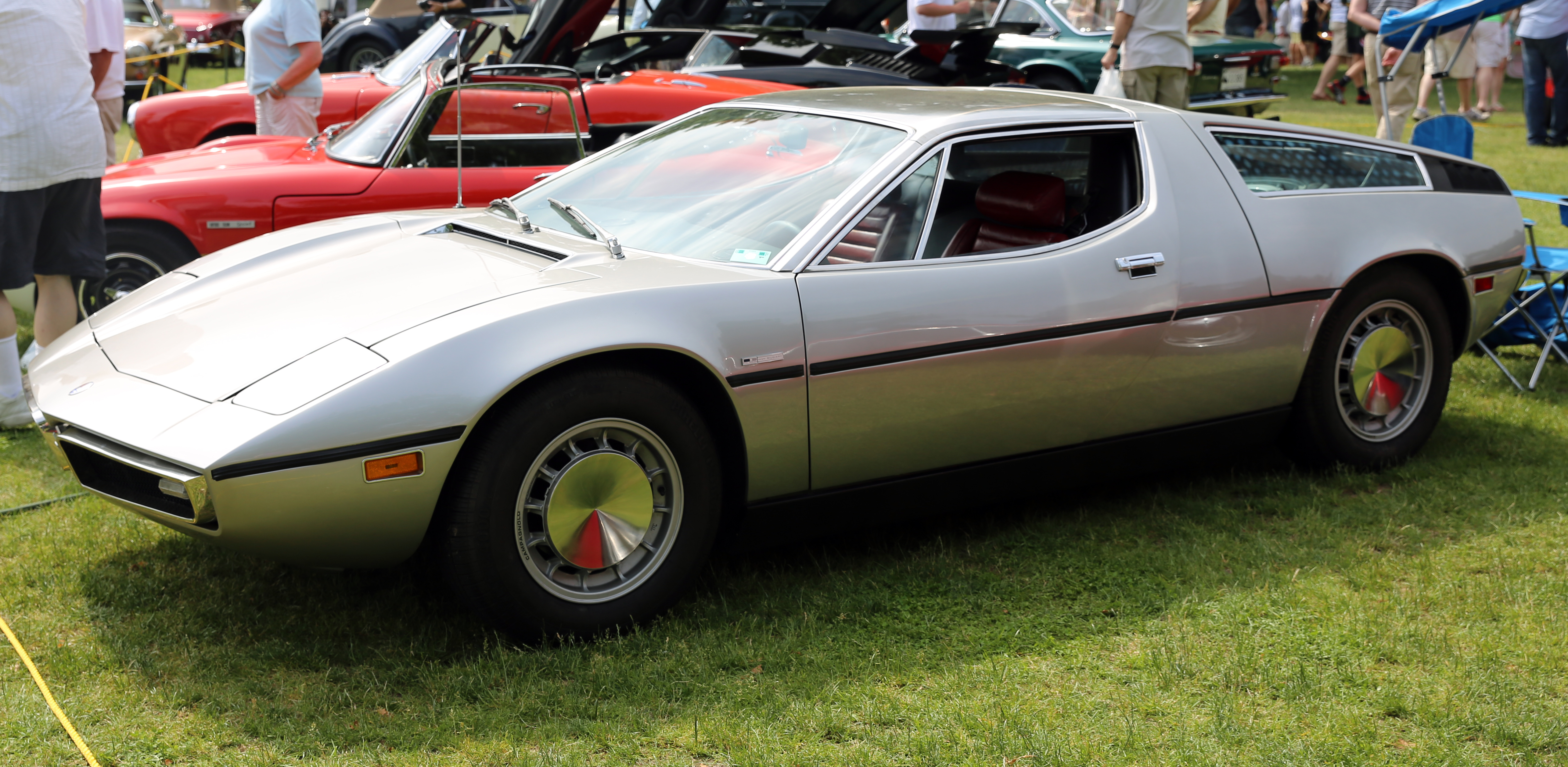 File:1973 Maserati Bora in Greenwich.jpg - Wikimedia Commons