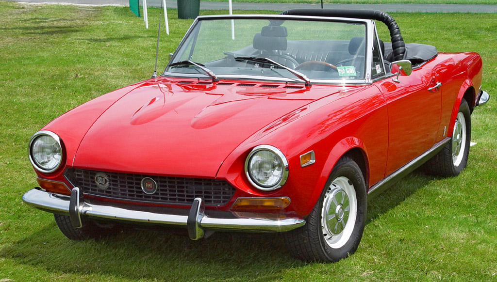 1974-Fiat-124-Spider-Red-Front-Angle-st.