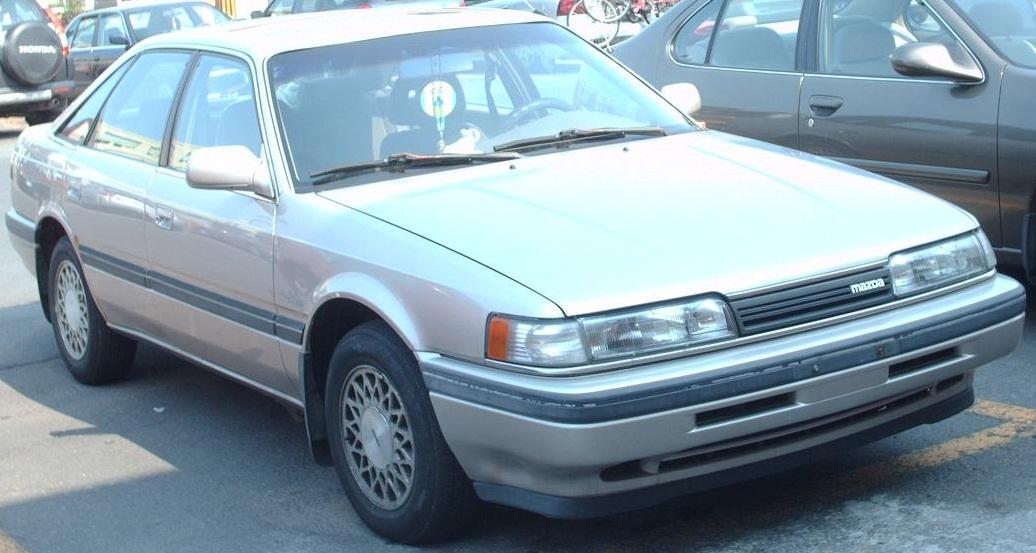 File:1991-92 Mazda 626 Hatchback.jpg - Wikimedia Commons
