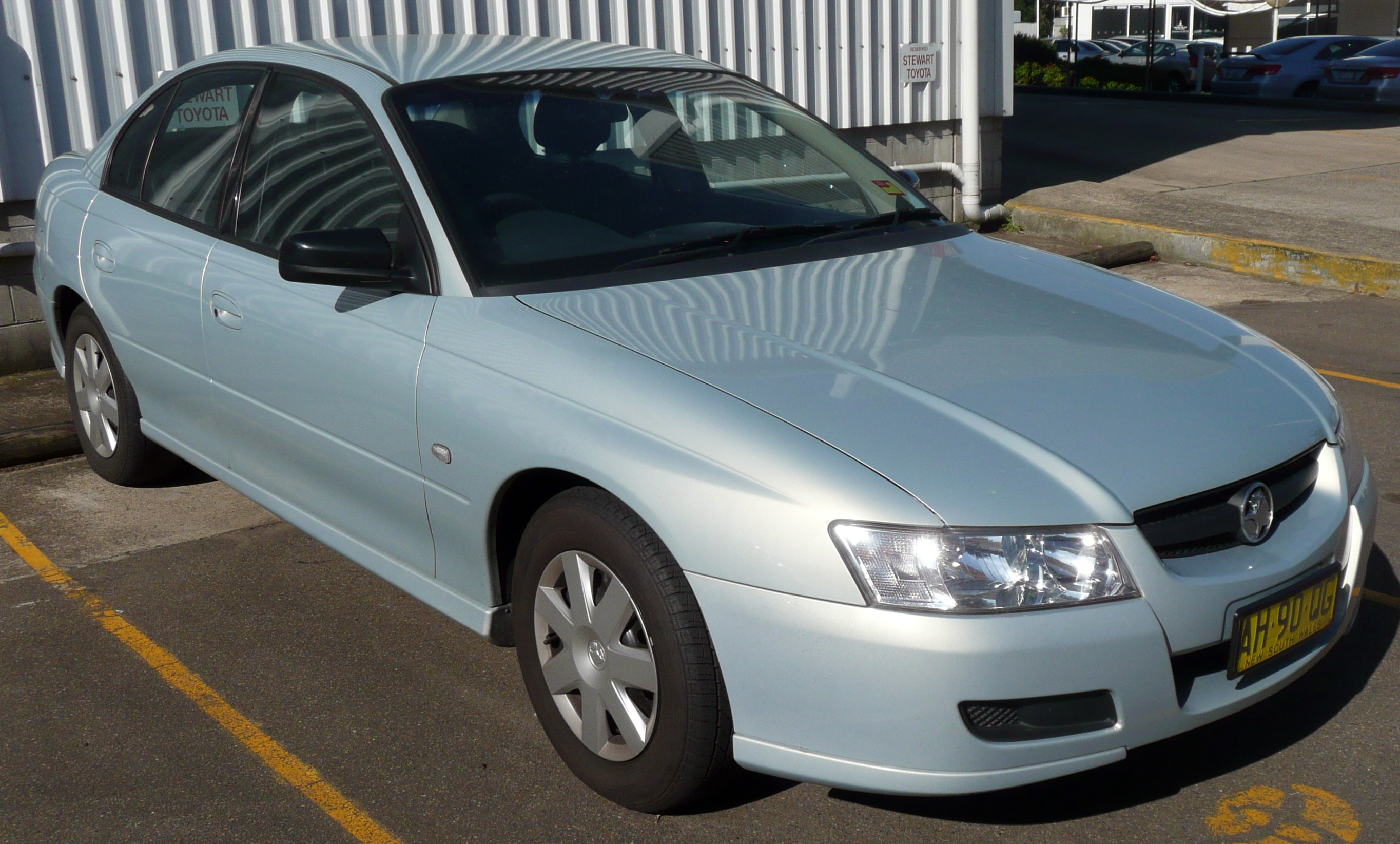 File 2004 2006 Holden Vz Commodore Executive Sedan 03 Jpg