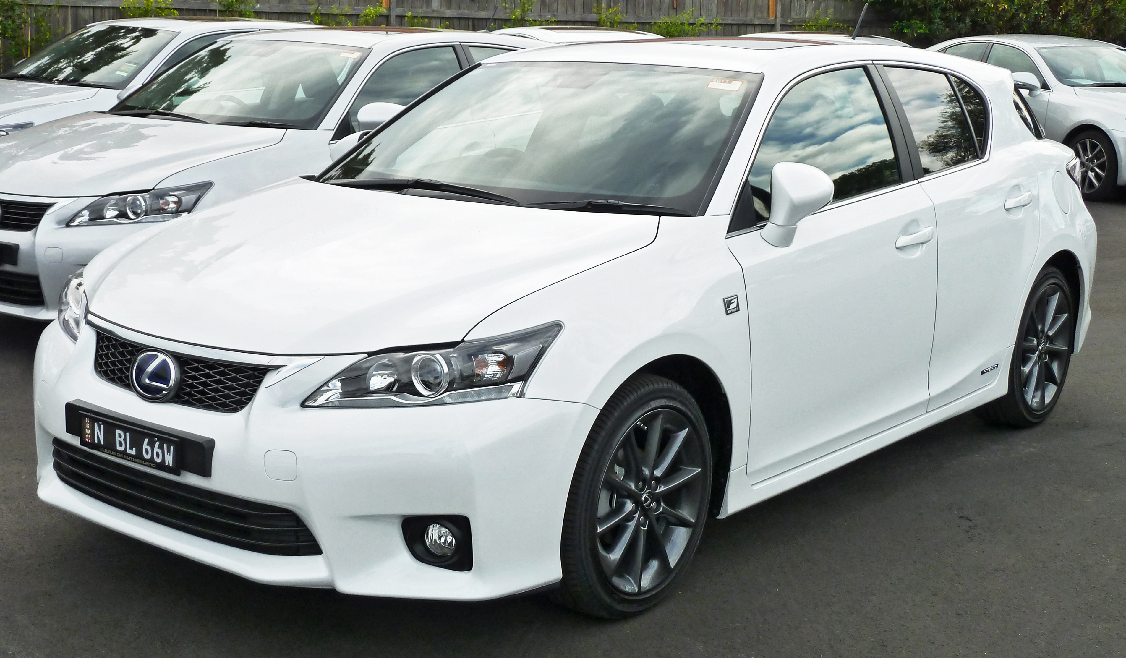 lexus ct200h f sport. Black Bedroom Furniture Sets. Home Design Ideas