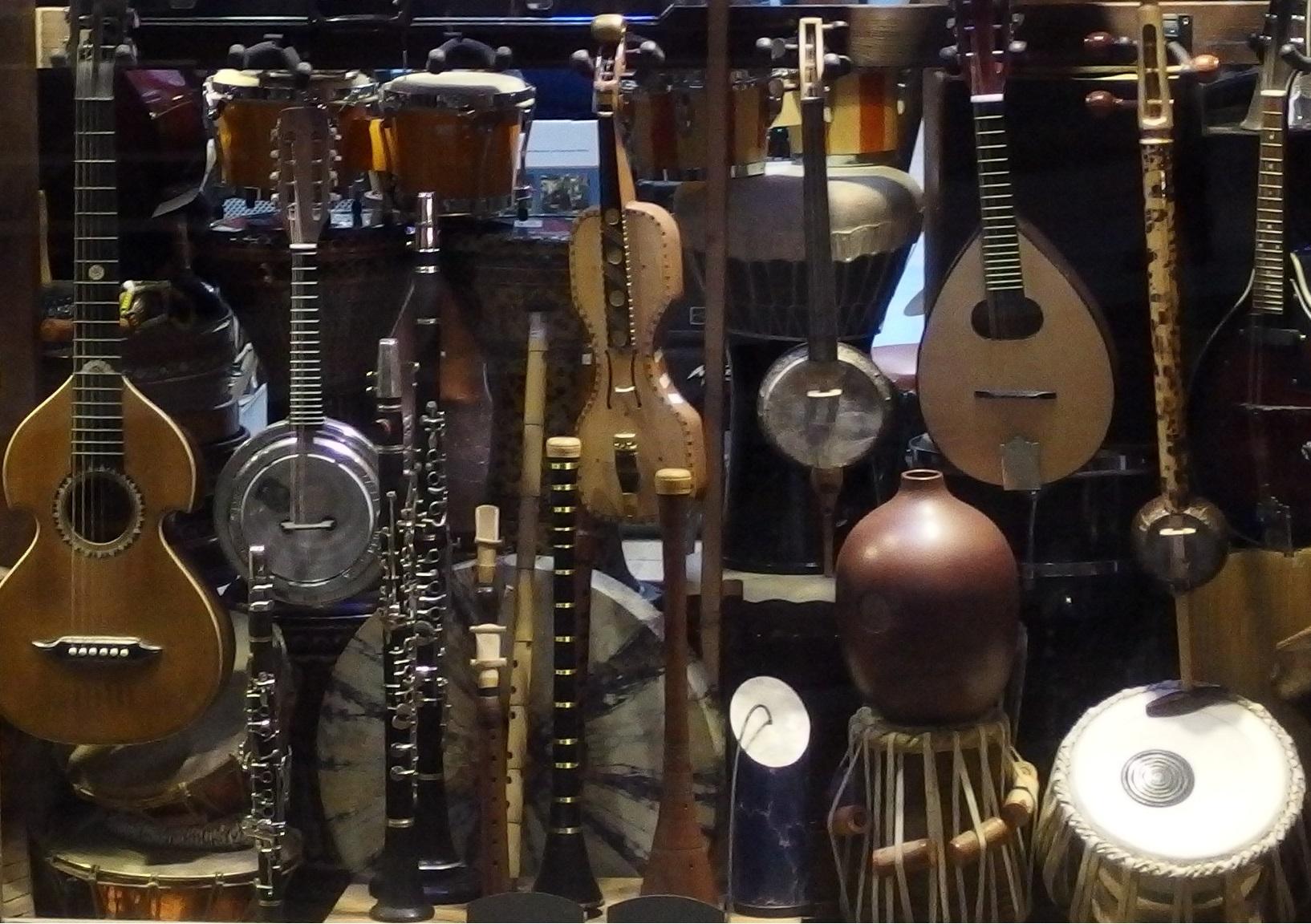 Musical Instrument Wooden Buttons Guitar Piano Trumpet Saxophone