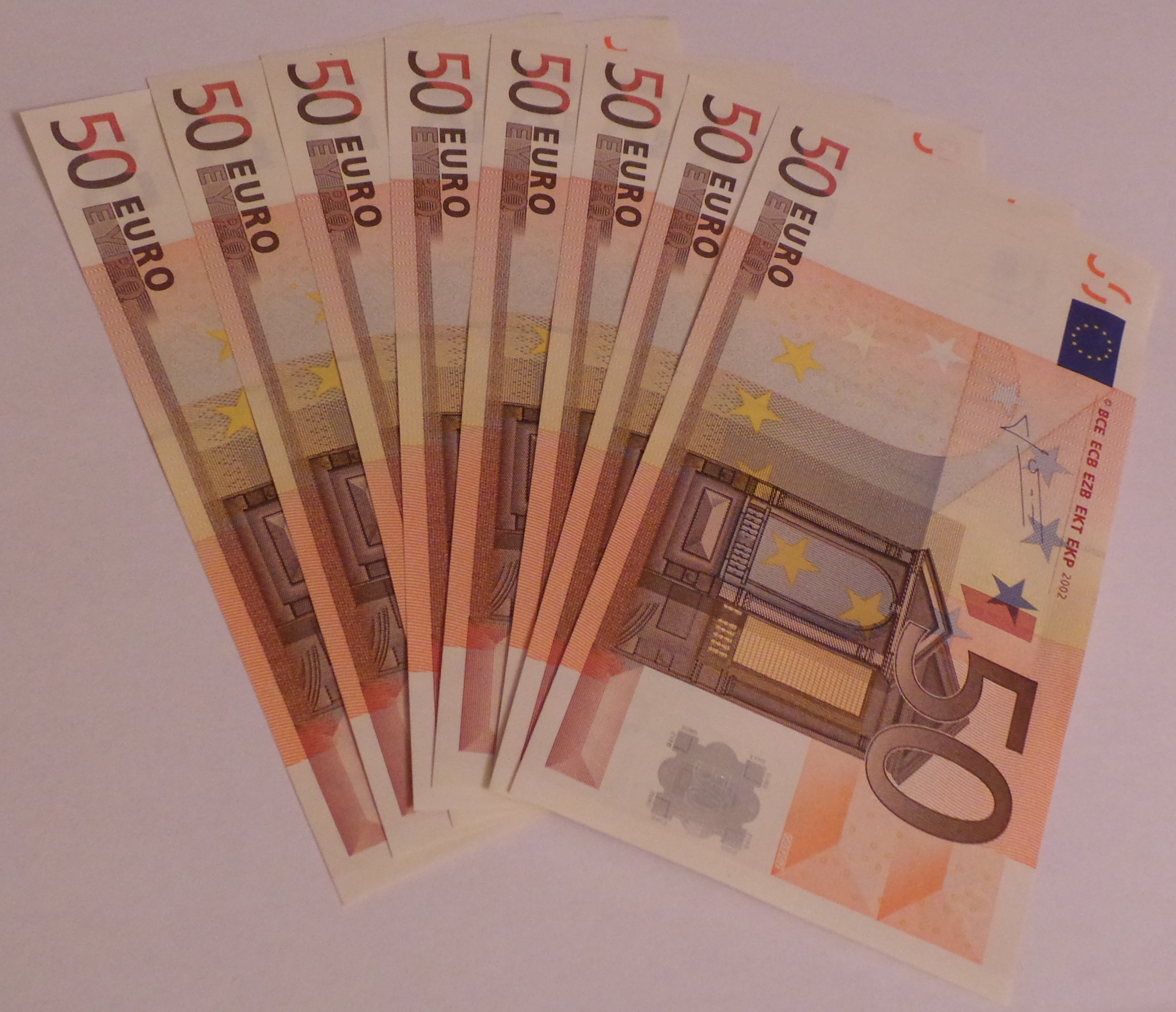 File:400 Euros in 50 Euro notes.jpg - Wikimedia Commons