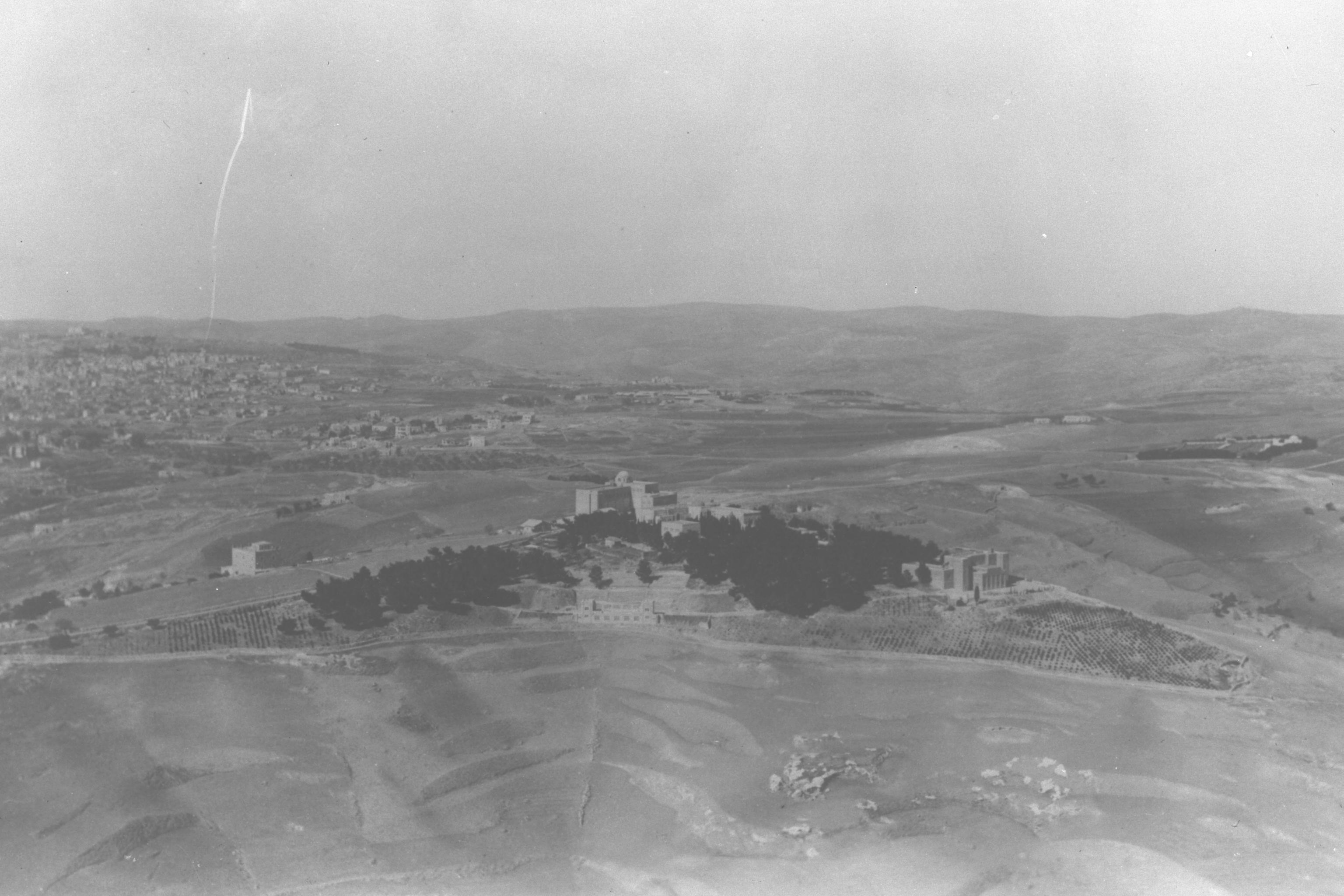 File:AERIAL VIEW OF THE HEBREW UNIVERSITY ON MOUNT SCOPUS WITH THE