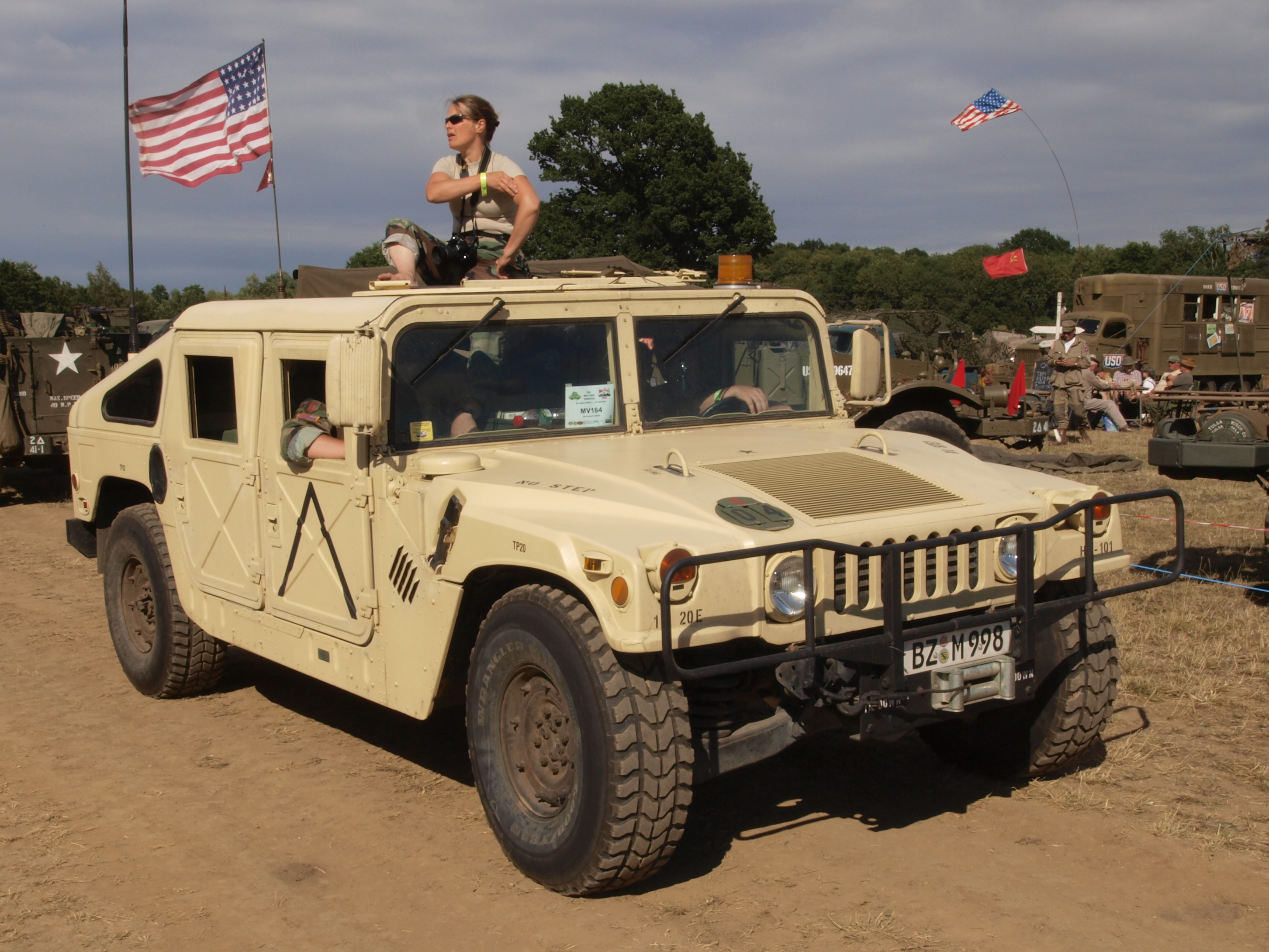 File:AM General (Hummer) (1987) owned by Gerald Friese.JPG ...