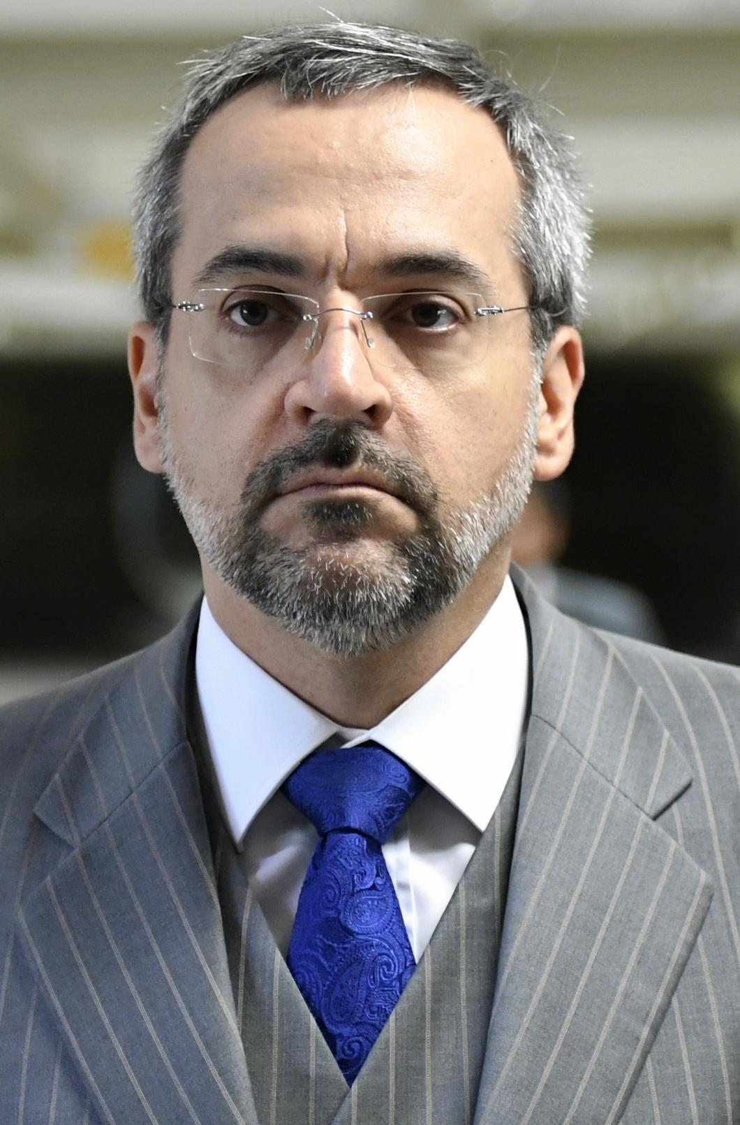 Resultado de imagem para ministro da Educação, Abraham Weintraub,