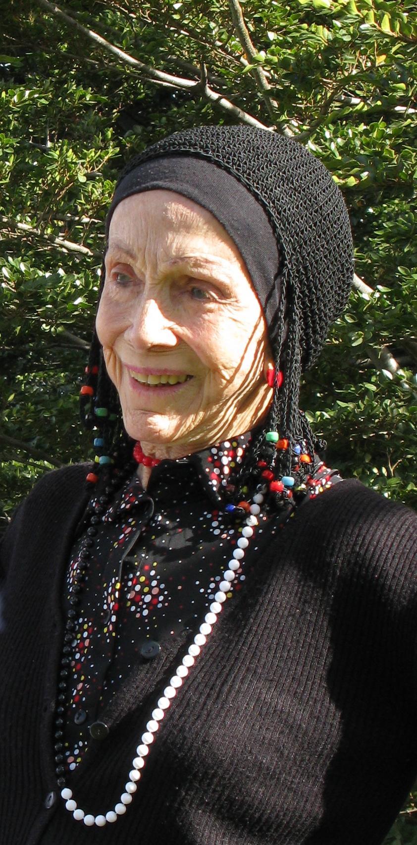 Anne Chapman (2009).