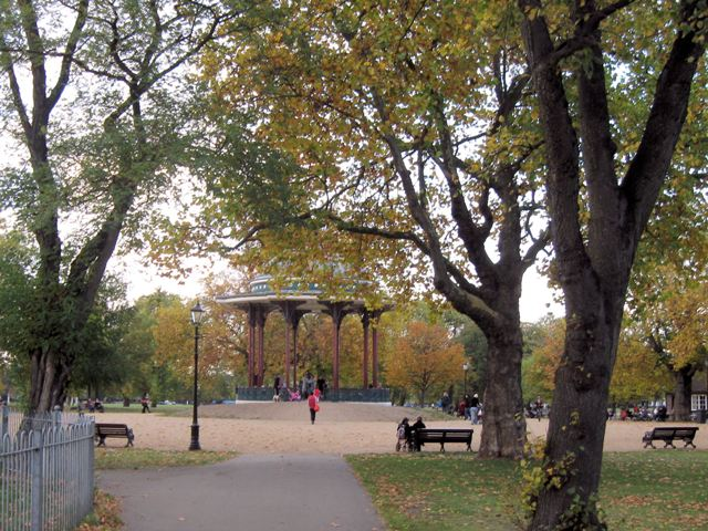 Autumn on Clapham Common - geograph.org.uk - 1552863