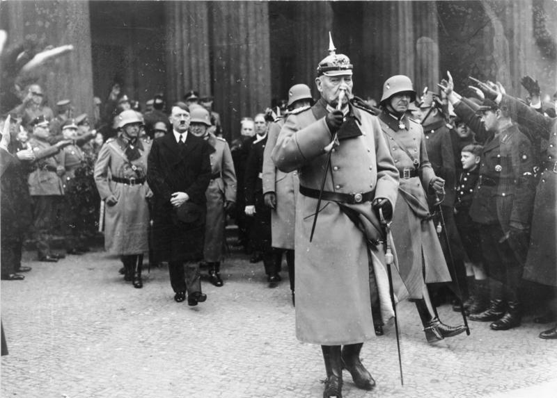 Bundesarkiv Hindenburg und Hitler