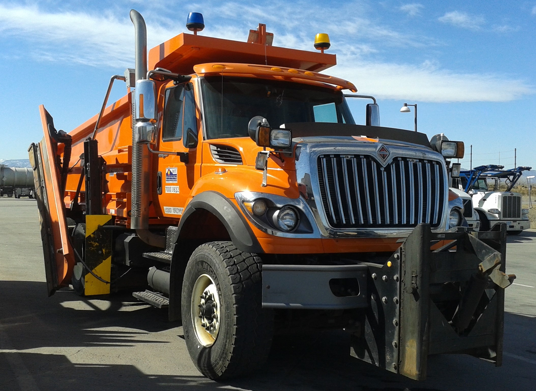 File Cdot Dump Plow Truck Ft Collins Jpg Wikipedia