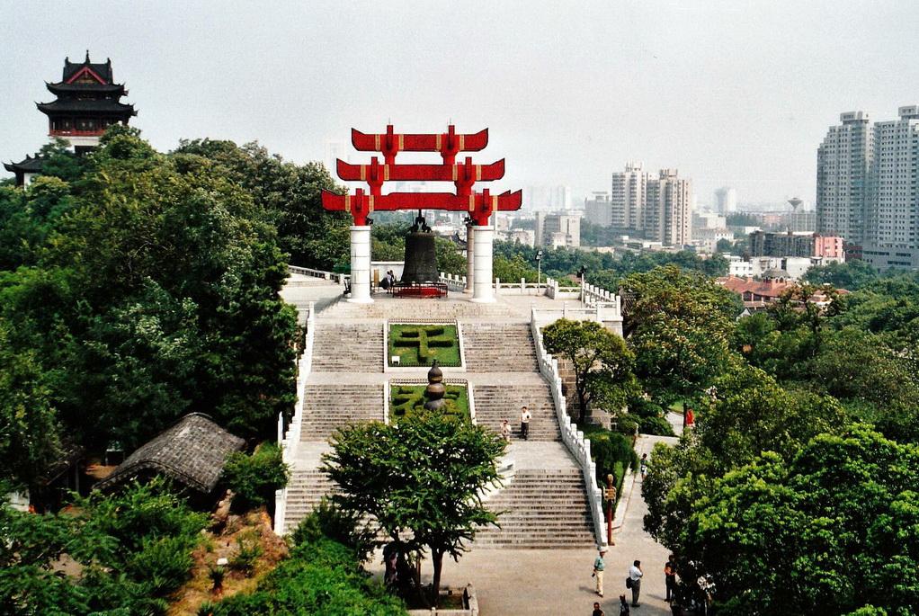 Wuhan Lage