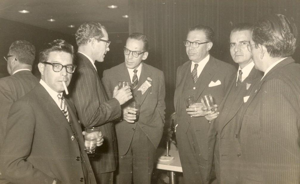 Gómez en (en el centro), con el abogado [[Carlos Galindo Pinilla