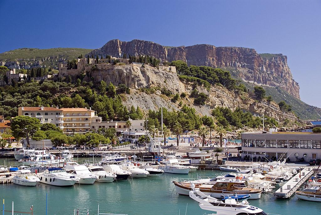 Cassis harbour.jpg