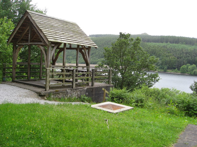 Derwent Valley Heritage Way - Picnic Area - geograph.org.uk - 859886