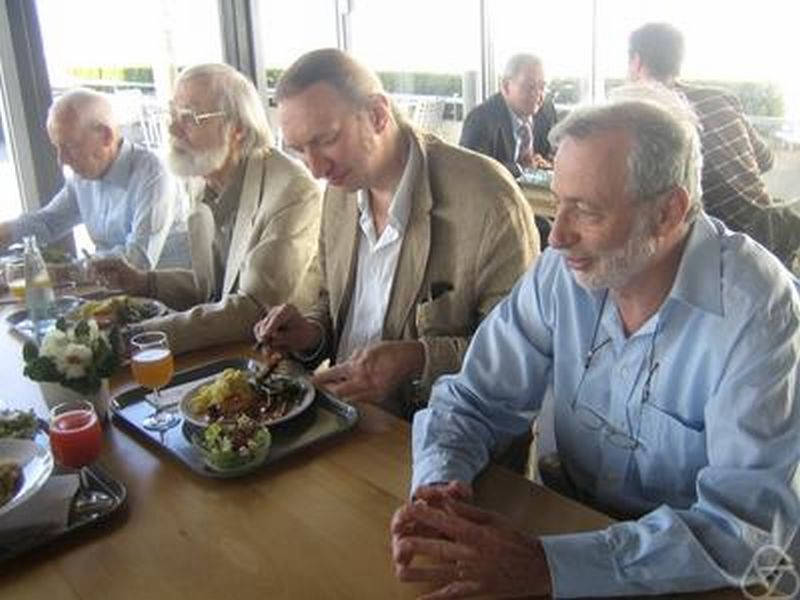 Jean-Pierre Eckmann (right) 2007 with [[Albrecht Dold]], [[John Milnor]], [[Dietmar Salamon]] (from left to right)