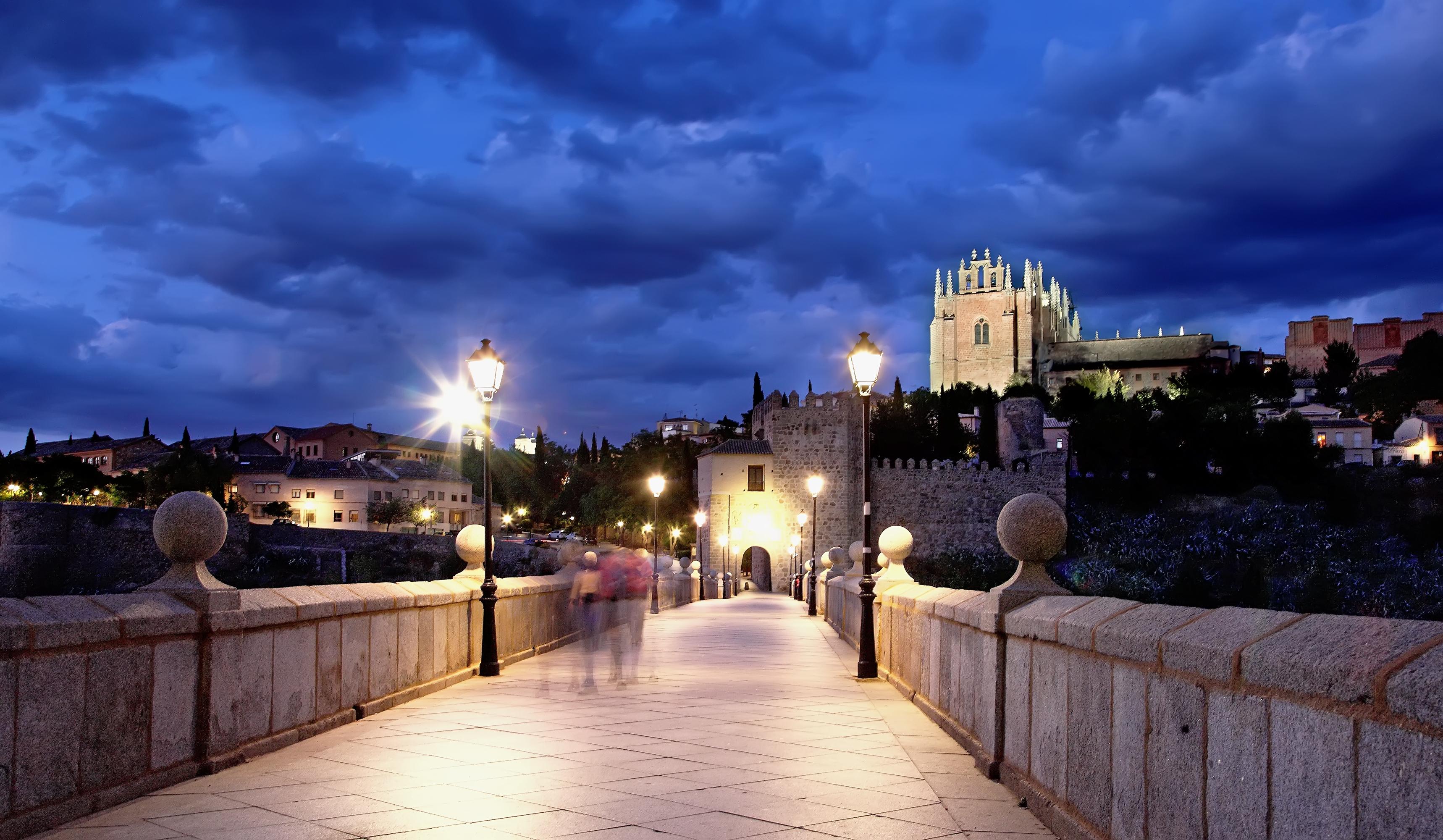 El Puente de san Martin y San Juan de los Reyes.jpg
