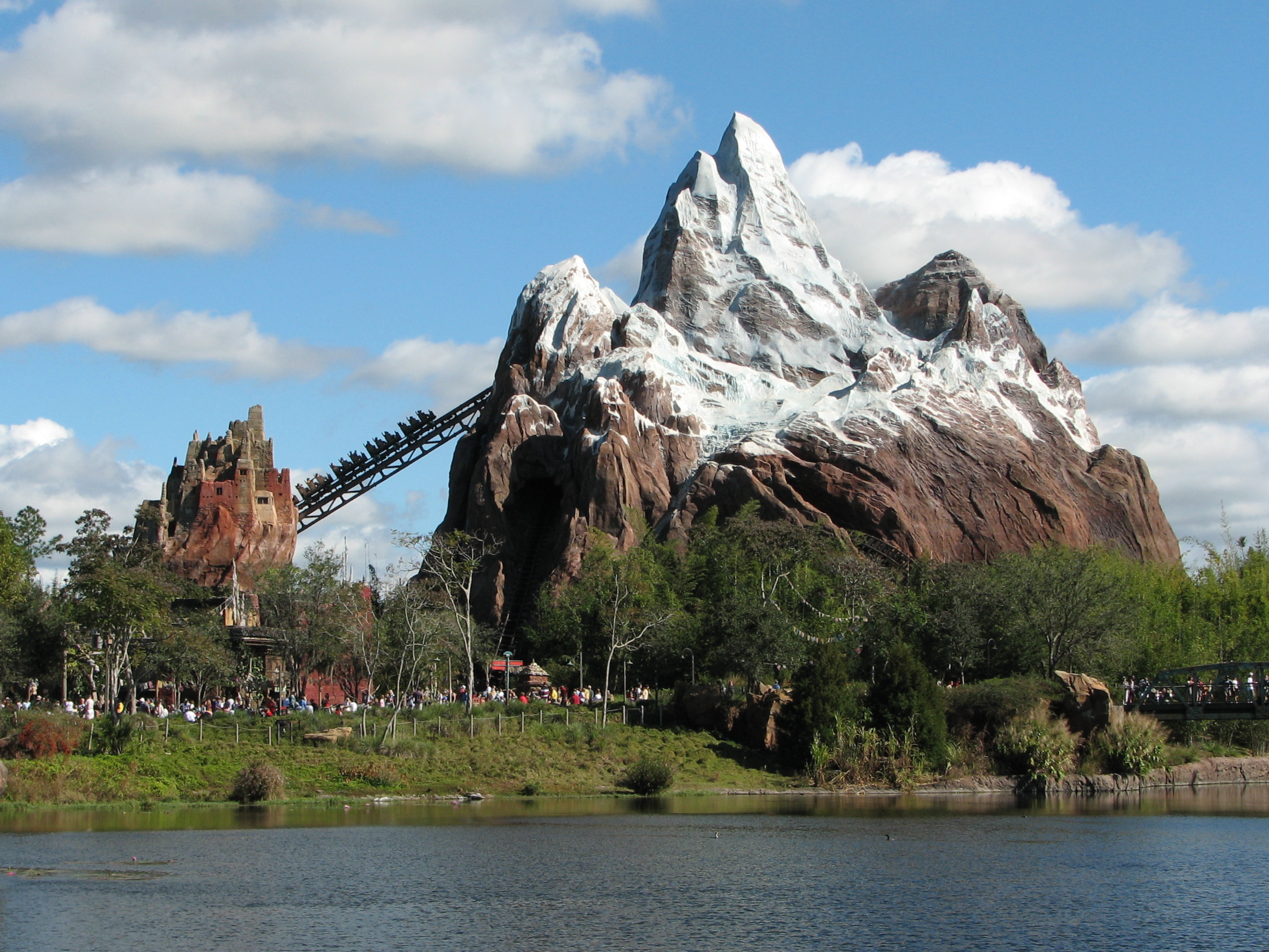 how tall is expedition everest