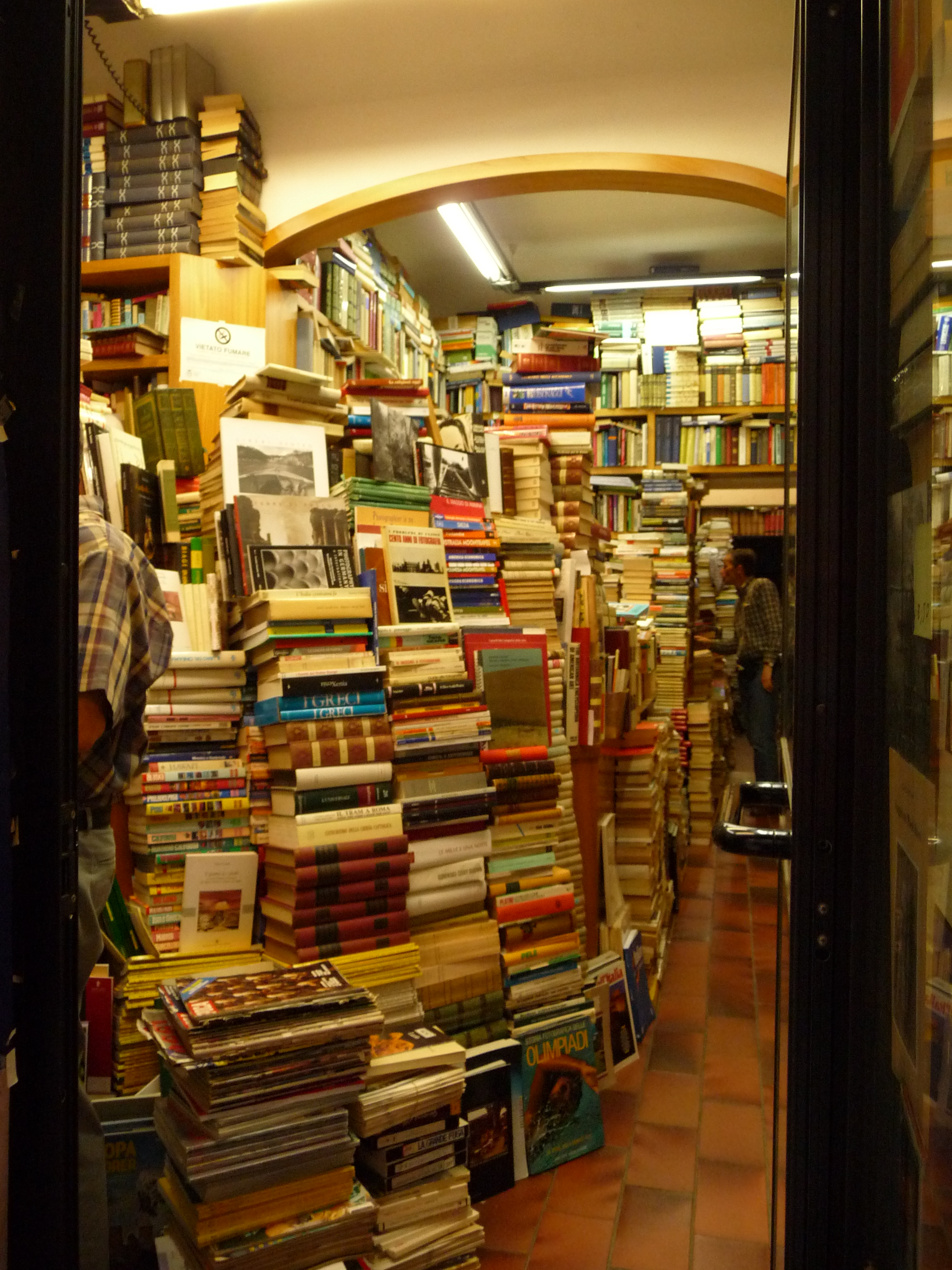 Independent bookstores! Yay! ...but Wait...