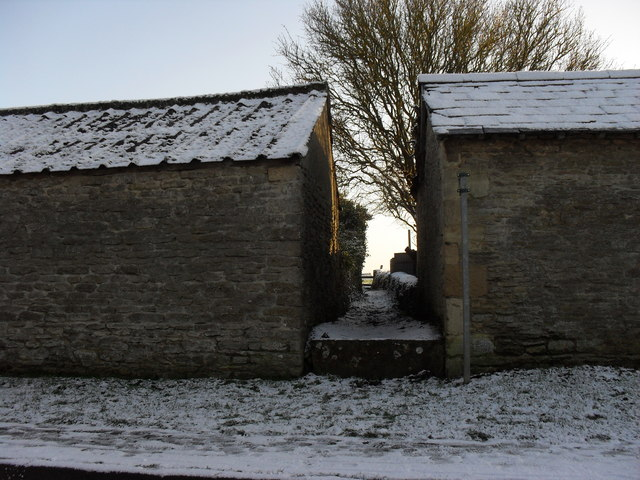 File:Footpath in Langford - geograph.org.uk - 1631538.jpg