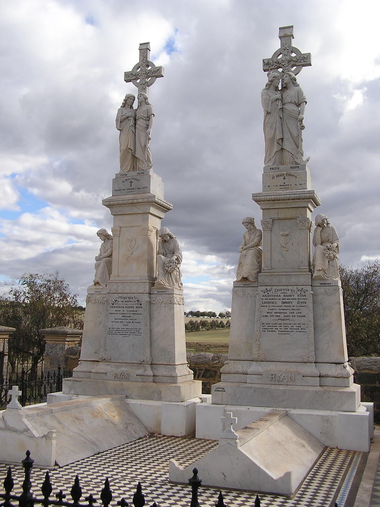 Galong Australia  city photo : Galong Cemetery Rusconi's Ryan Monuments Wikimedia Commons